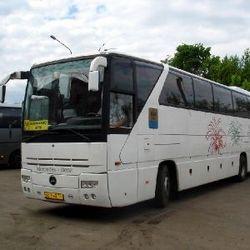Легковой Renault влетел в пассажирский автобус: один человек погиб