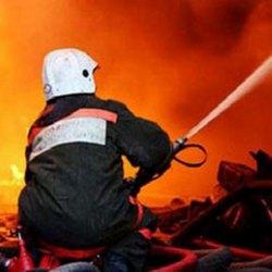 В Коломне горит склад бывшего мукомольного завода