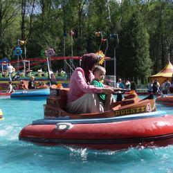 Аттракционы в парке Мира готовят к новому сезону