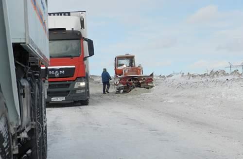 трасса шоссе дорога уборка снега наледь
