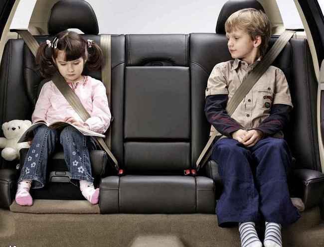 Правила безопасности для ваших детей в автомобиле