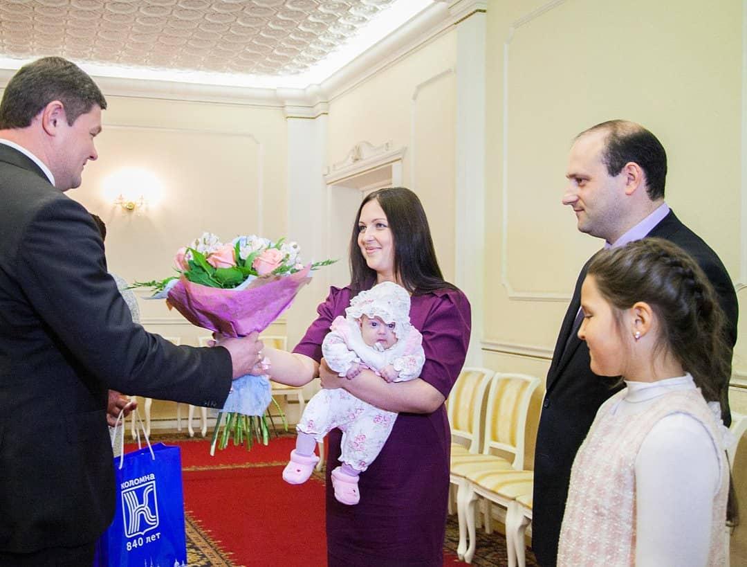 Мэр Коломны: Дорогие женщины, мамы и бабушки! Сердечно поздравляю Вас с одним из самых теплых праз… #Коломна